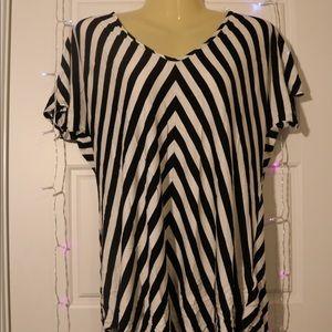 Jones New York Black & White Stripped V-Neck Top